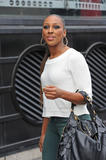 Александра Бурке, фото 38. Alexandra Burke Shopping in London 13th March 2012, foto 38