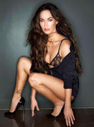 Mega Leg - Duel Megan Fox vs Shay Mitchell